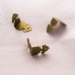 Metallinen kulmakoriste