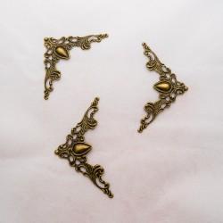 Metallinen koriste