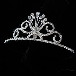 Kruunutyylinen tiara
