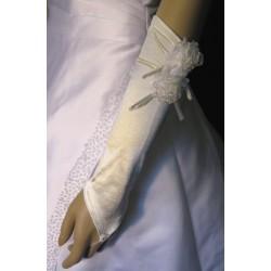 Ivoryt hansikkaat kukilla
