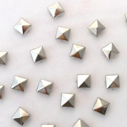 Irtoniitit, pyramidi 10 mm